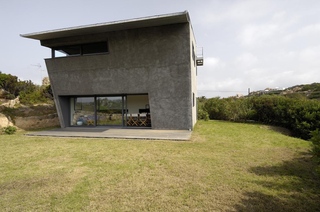 Casa La Sbandata, loc. Stagno Storto, La Maddalena, Sassari, Italy, 2003/2004.